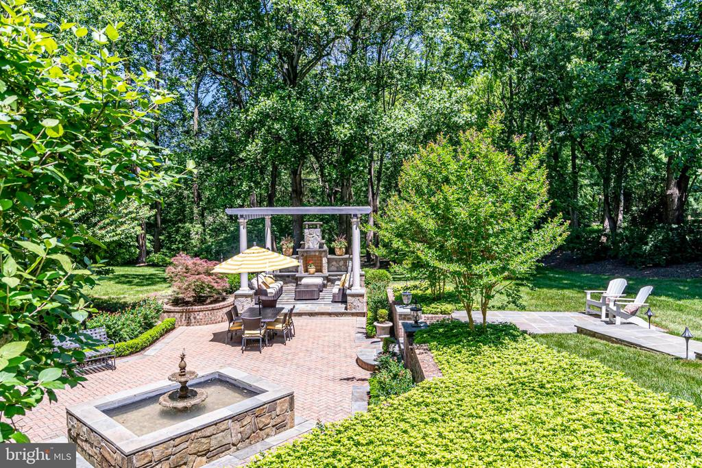 Expansive patio area - 10010 HIGH HILL PL, GREAT FALLS