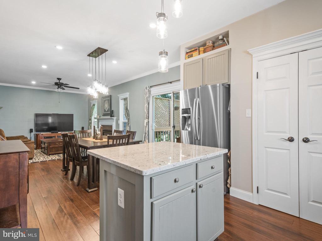 Kitchen - 15528 BOAR RUN CT, MANASSAS