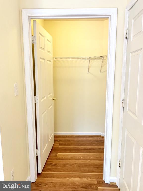 Walk in closet in MB - 501 CONSTELLATION SQ SE #C, LEESBURG