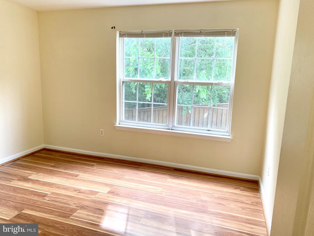 Bedroom 2 with two closets - 501 CONSTELLATION SQ SE #C, LEESBURG