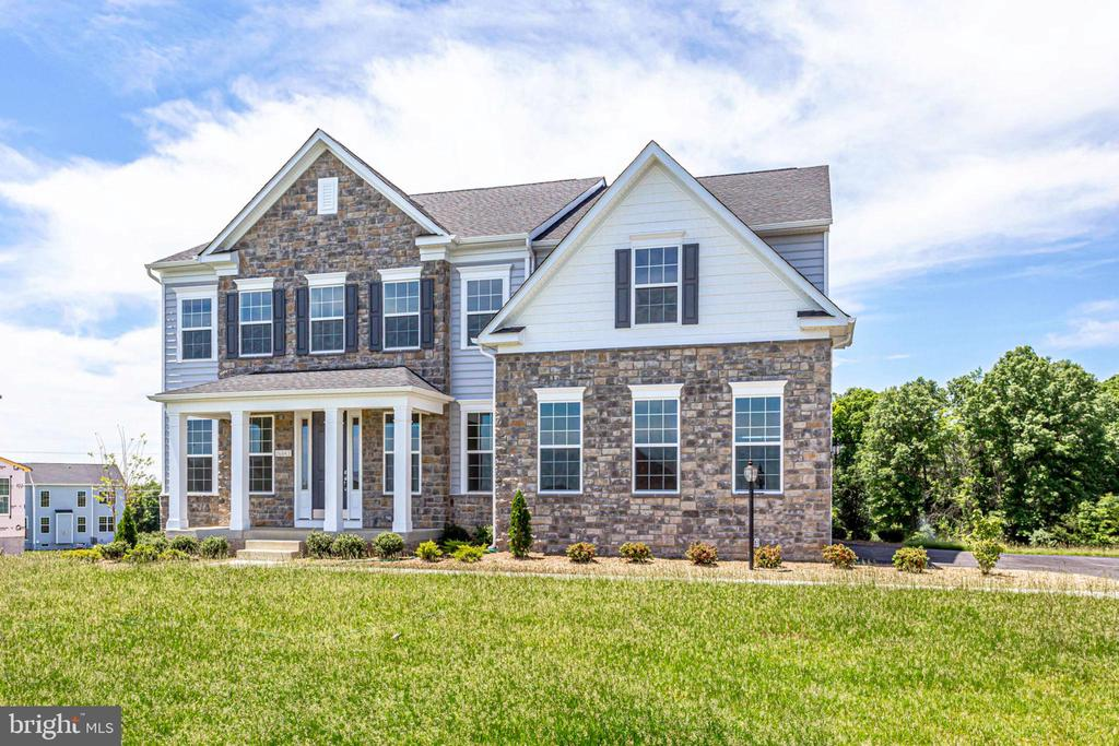 Upgraded elevation w/ optional stone ILO brick - 04 FORMATION, FREDERICKSBURG