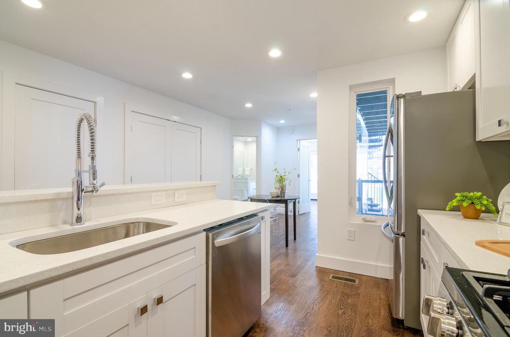 Multi - cook kitchen - 1412 SHEPHERD ST NW #1, WASHINGTON
