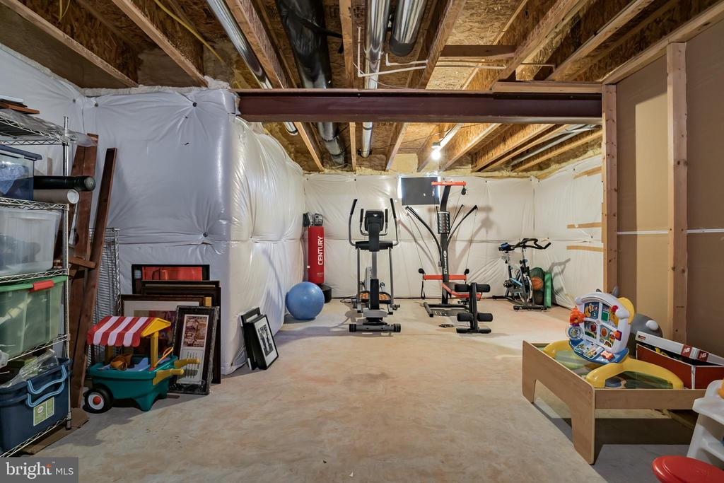 Potential for a Bedroom/ Gym or Media Room - 42365 WINSBURY WEST PLACE, STERLING
