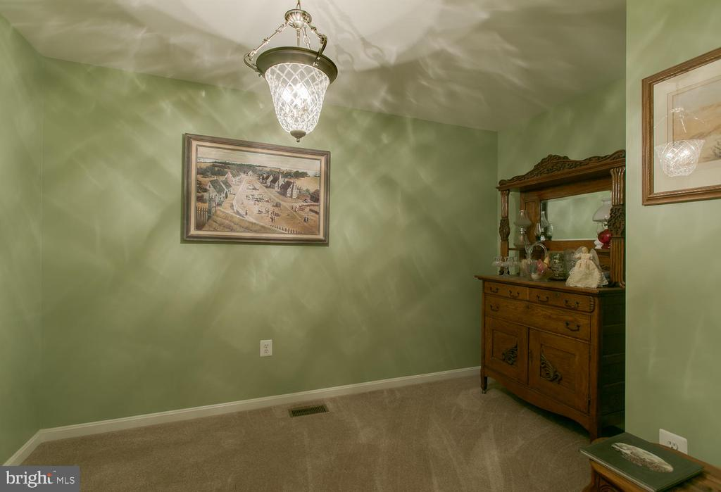 Separate dining room - 9315 PAIGE RD, WOODFORD