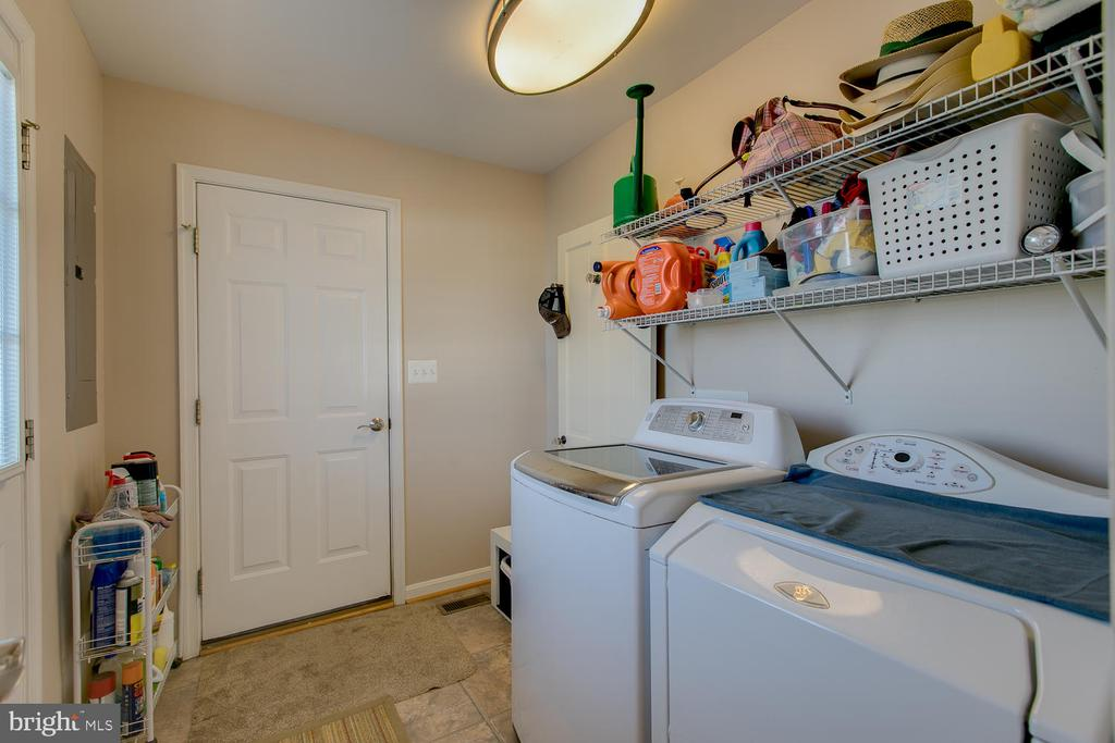 Mudroom/Laundry - 9315 PAIGE RD, WOODFORD