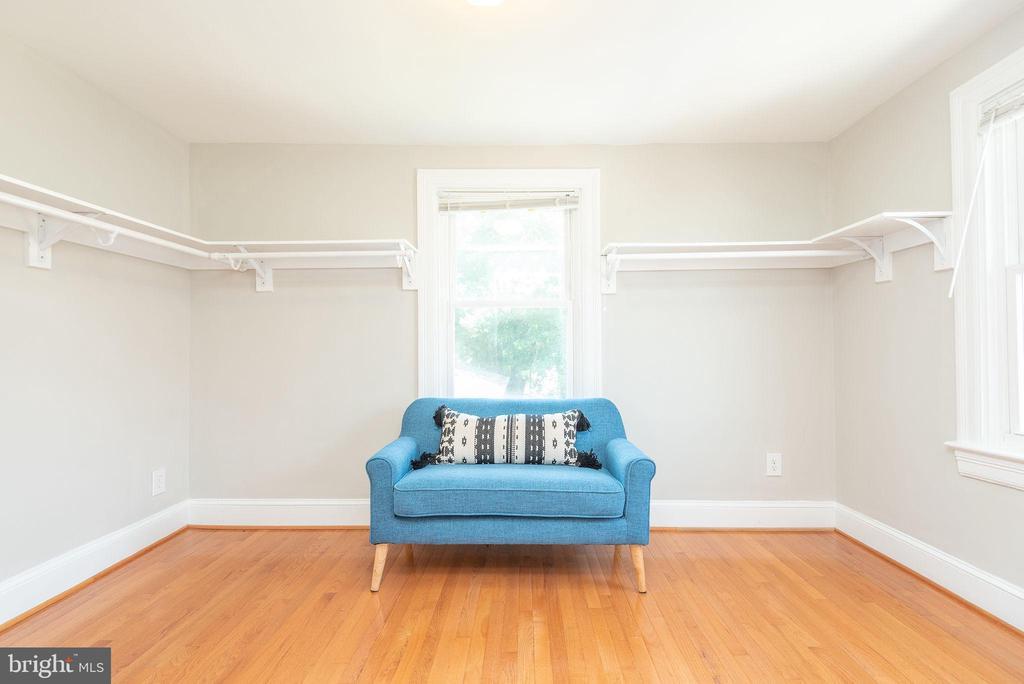 Upper Level - Master Walk-In Closet - 2952 MILLS AVE NE, WASHINGTON