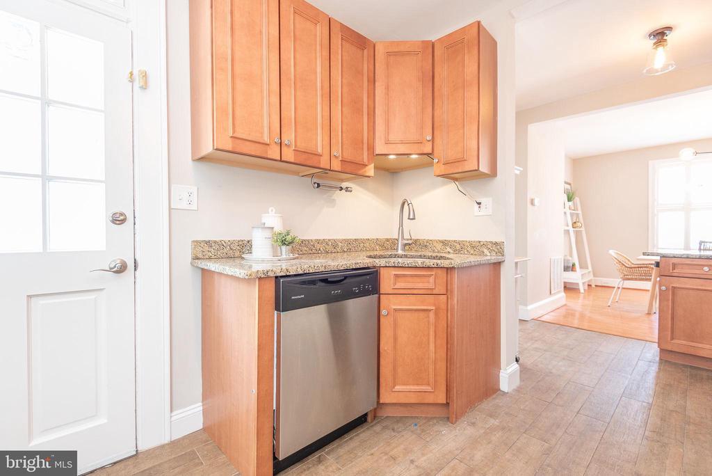 Main Level - Kitchen - 2952 MILLS AVE NE, WASHINGTON