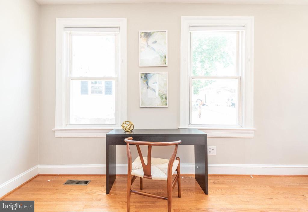 Main Level - Family Room - 2952 MILLS AVE NE, WASHINGTON