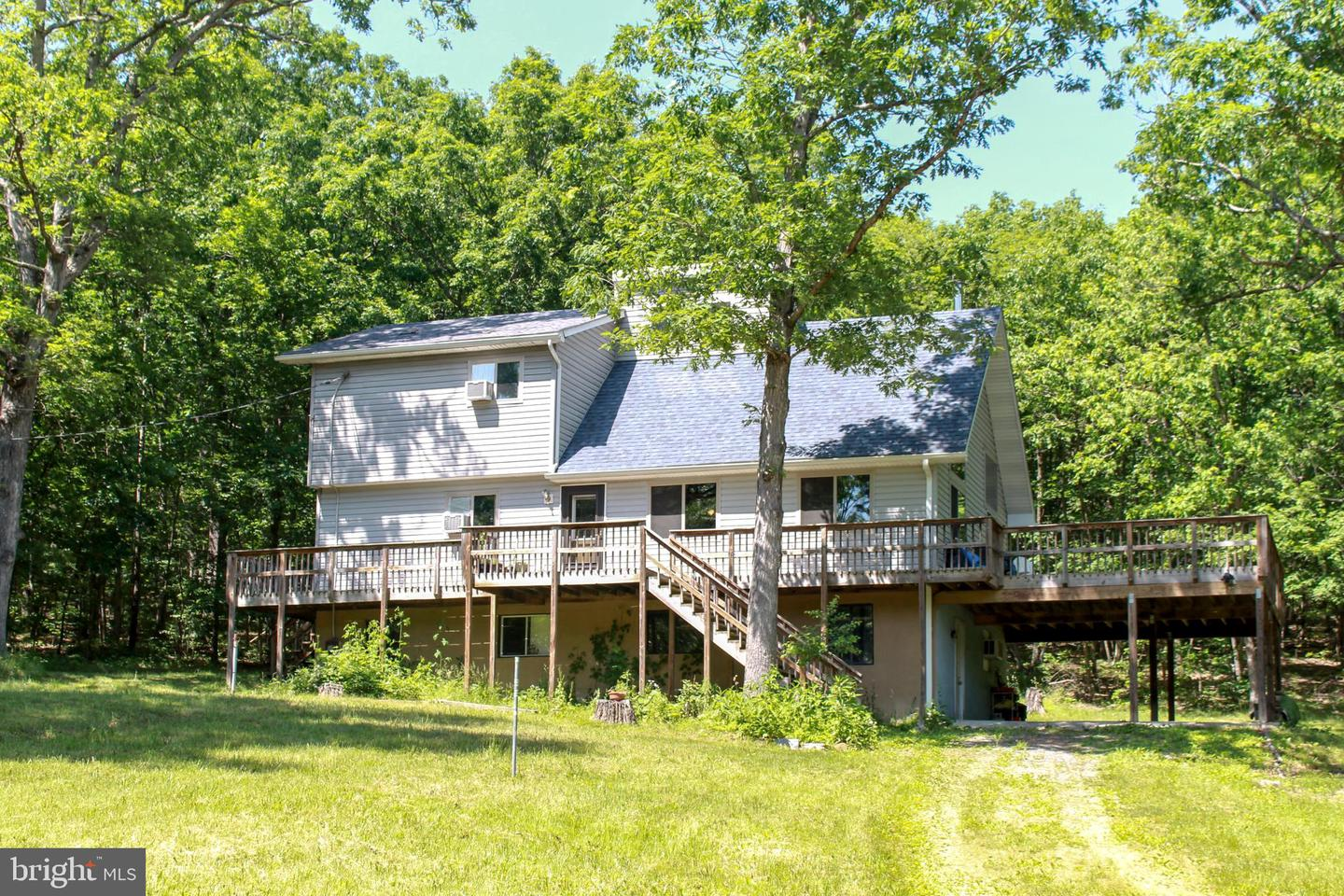 Single Family for Sale at 1606 Lake Ferndale Dr Springfield, West Virginia 26763 United States