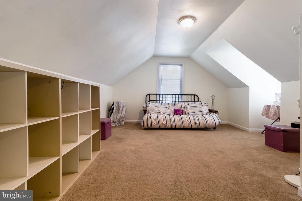 Bedroom 3 - 6806 MARIANNE DR, MORNINGSIDE