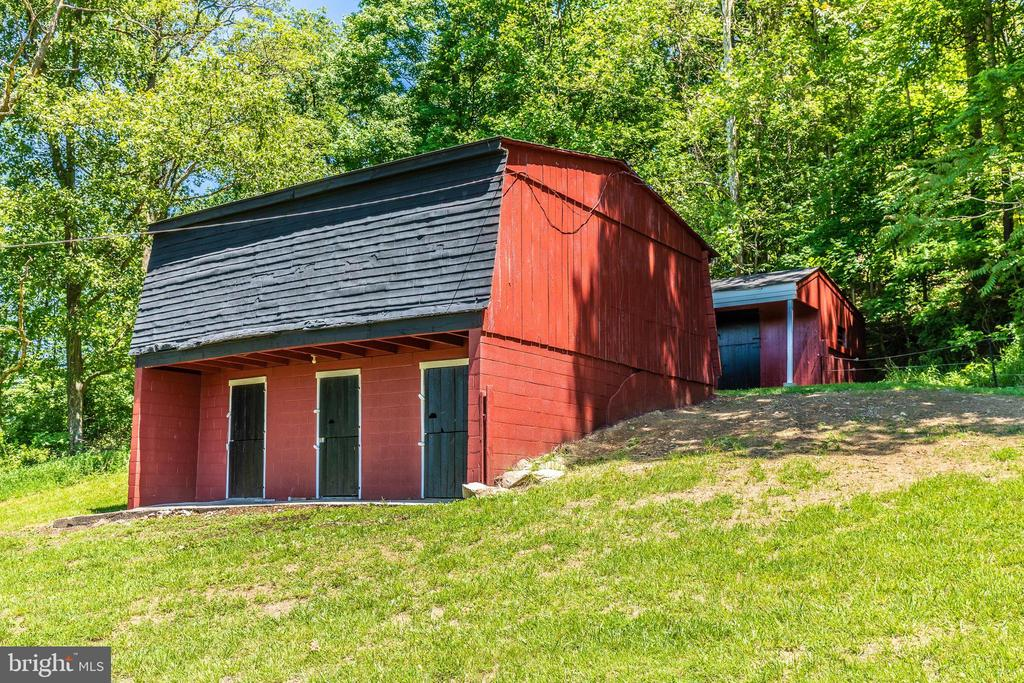 Bring your animals! - 6617 BROWNS QUARRY RD, SABILLASVILLE