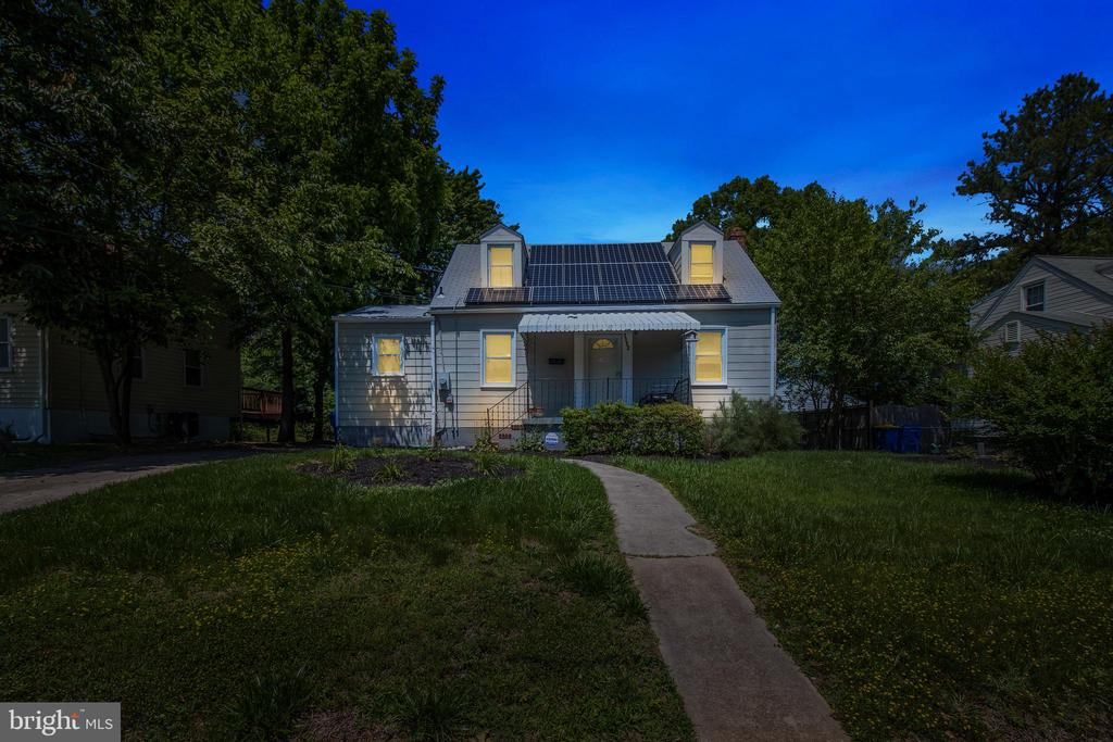 Twilight Front View - 6806 MARIANNE DR, MORNINGSIDE