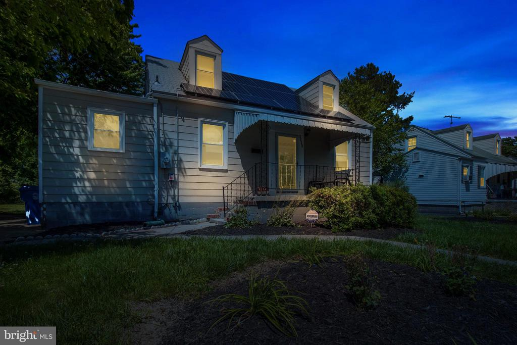 Twilight Close Front View - 6806 MARIANNE DR, MORNINGSIDE