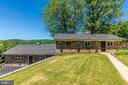 Dual levels - 6617 BROWNS QUARRY RD, SABILLASVILLE