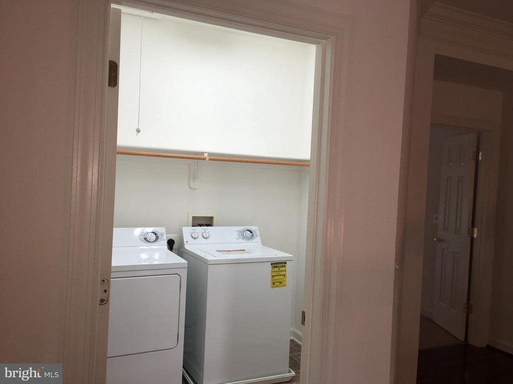 Laundry room - 2374 JAWED PL, DUNN LORING