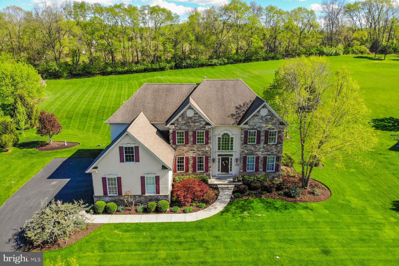 Single Family Homes para Venda às Easton, Pensilvânia 18042 Estados Unidos