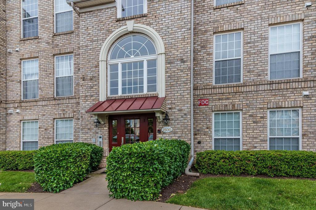 Secured building - 2500 CATOCTIN CT #1-2B, FREDERICK