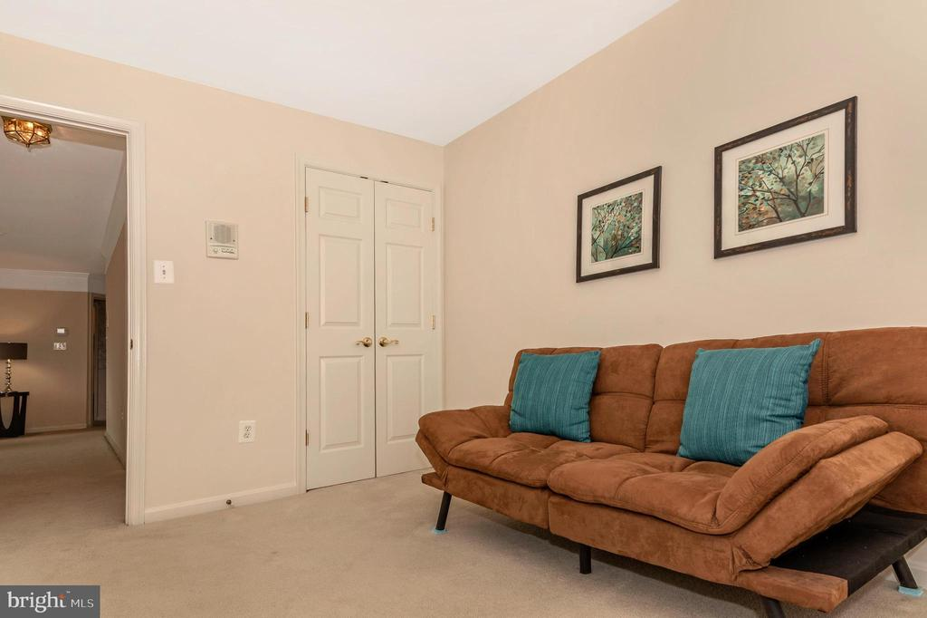 2nd bedroom with large closet - 2500 CATOCTIN CT #1-2B, FREDERICK