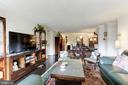 Living Room facing Dining Room - 1800 OLD MEADOW RD #1020, MCLEAN