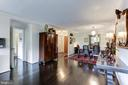 Living and Dining Room - 1800 OLD MEADOW RD #1020, MCLEAN