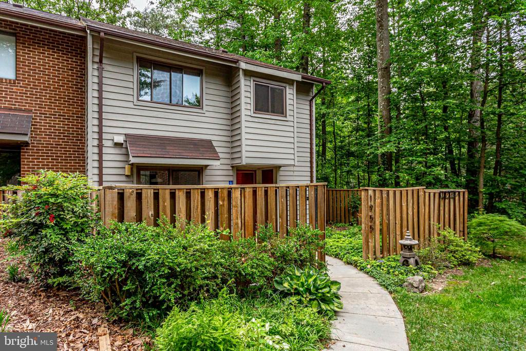 Pretty little walkway up to your new home! - 1955 WINTERPORT CLUSTER, RESTON