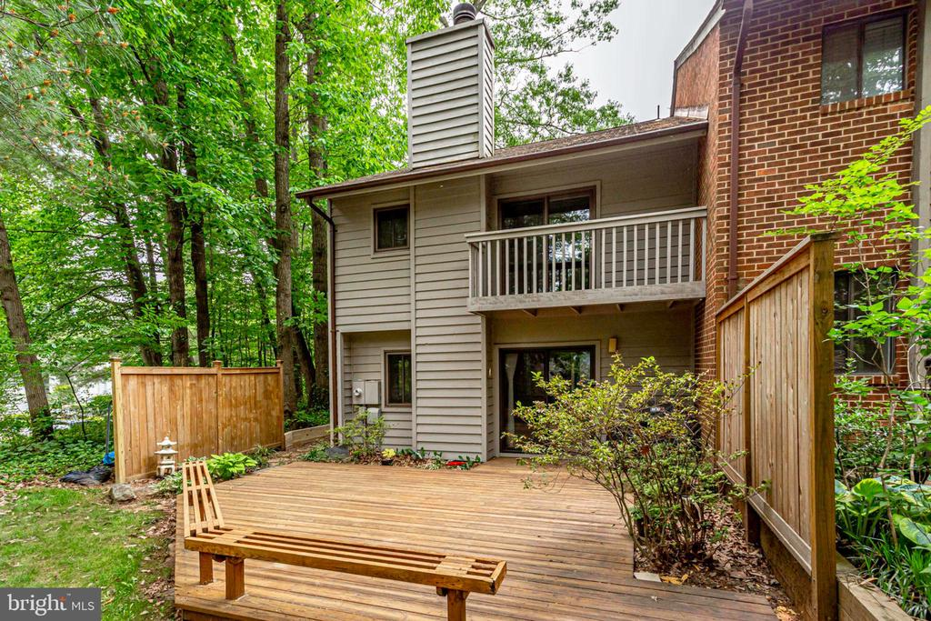 Awesome entertainment space + private balcony - 1955 WINTERPORT CLUSTER, RESTON