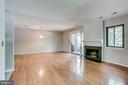 Spacious living/family room w/ gleaming floors - 1955 WINTERPORT CLUSTER, RESTON