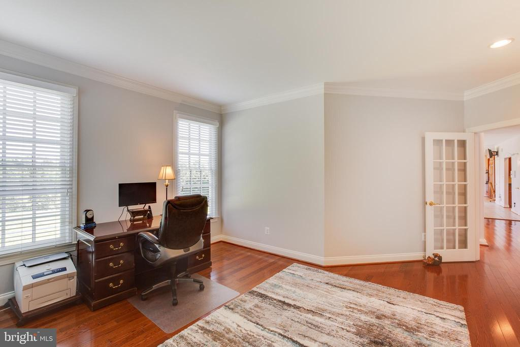 Private study - 17072 SILVER CHARM PL, LEESBURG