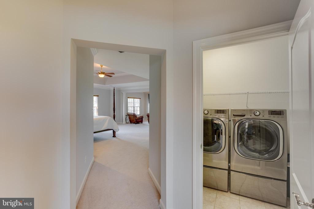 Second level laundry room - 17072 SILVER CHARM PL, LEESBURG