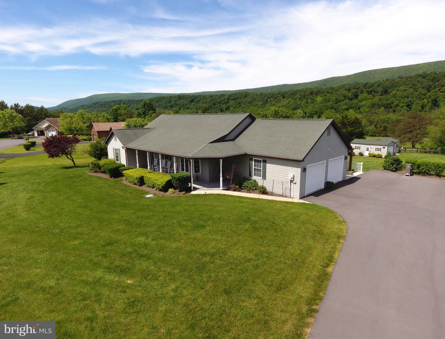 Single Family for Sale at 58 Dawson Farm Rd Berkeley Springs, West Virginia 25411 United States