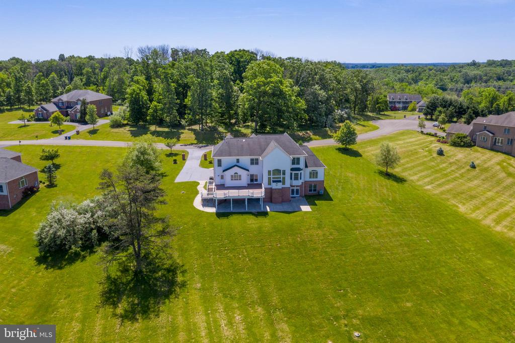 Drone Exterior View - 18131 PERTHSHIRE CT, LEESBURG