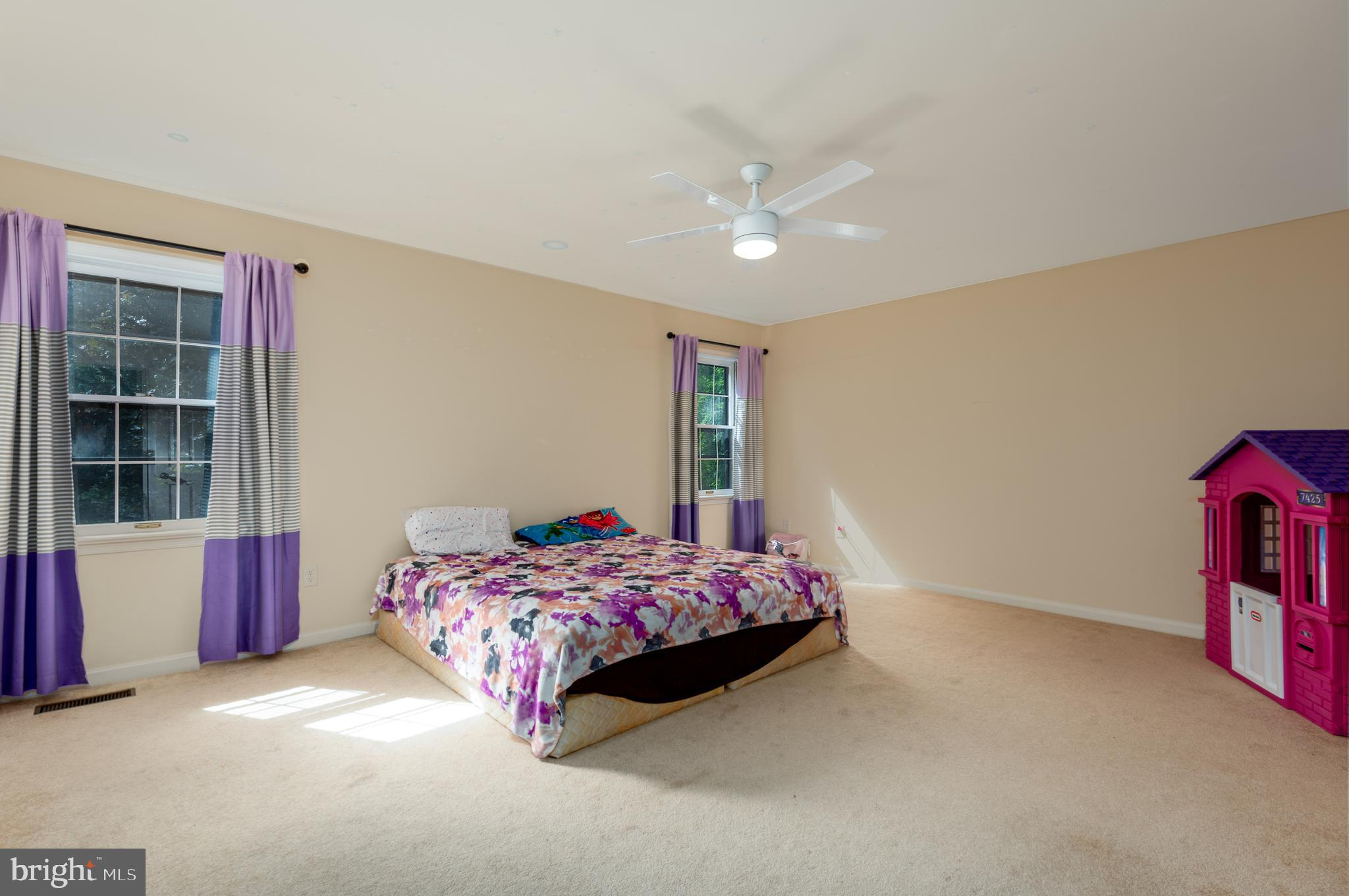 Large Bedroom 2