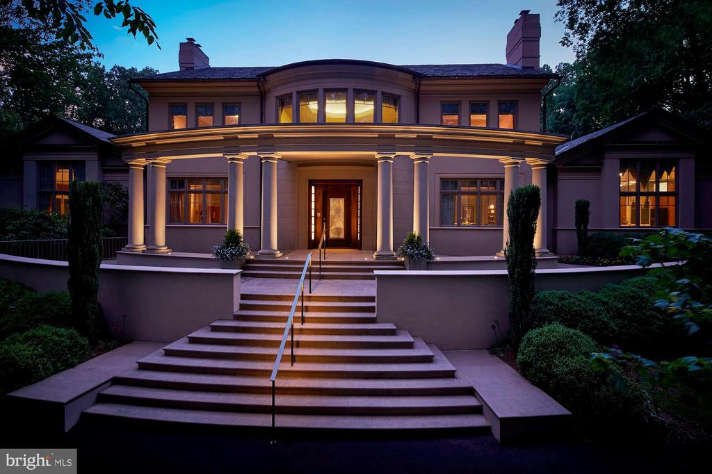 Stunning front entrance with circular driveway - 10301 FIREFLY CIR, FAIRFAX STATION