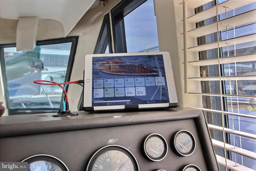 Apple Home Wired - 600 WATER ST SW #Z-8, WASHINGTON
