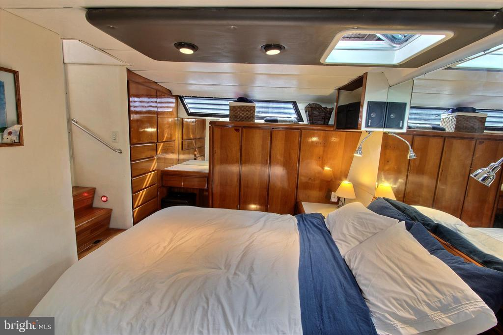Master Bedroom - 600 WATER ST SW #Z-8, WASHINGTON