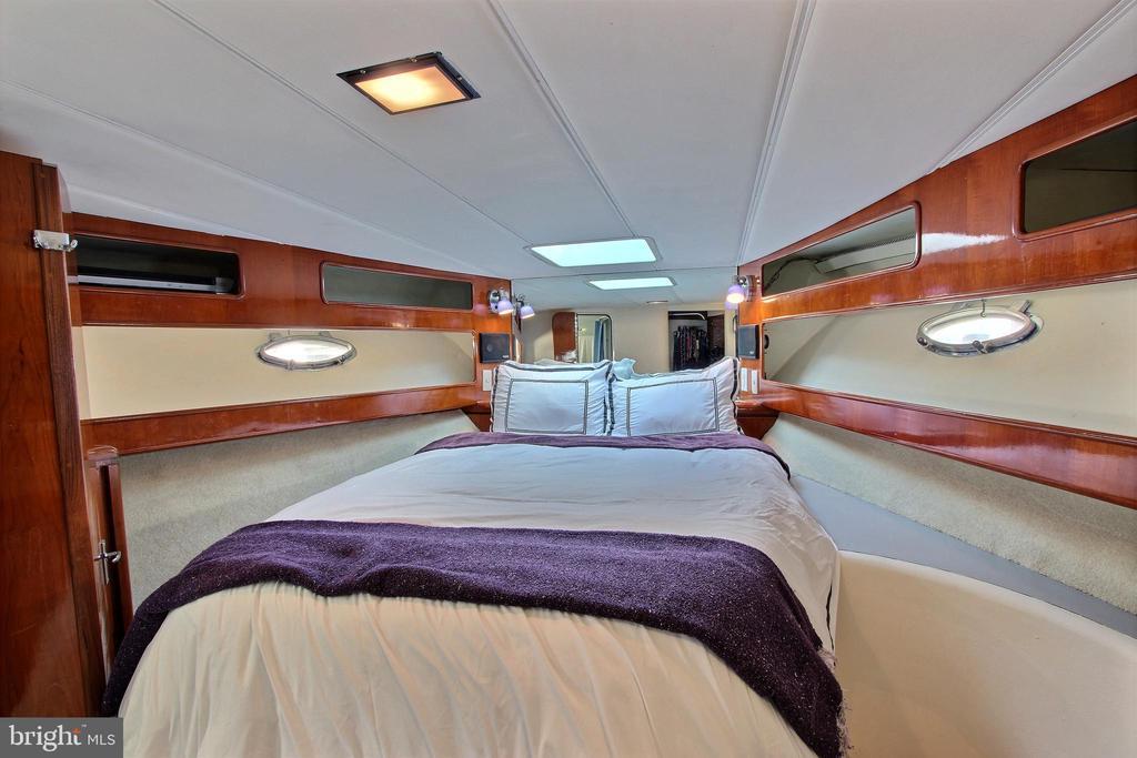 Guest Bedroom - 600 WATER ST SW #Z-8, WASHINGTON