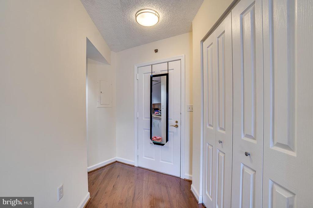 Foyer - 601 PENNSYLVANIA AVE NW #906, WASHINGTON