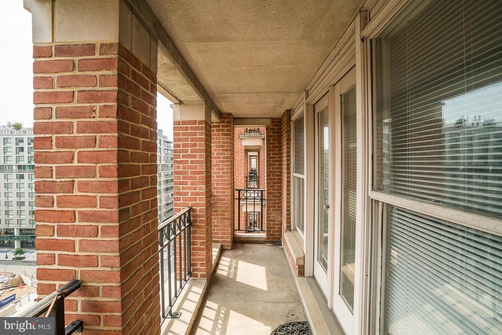 Private Balcony - 601 PENNSYLVANIA AVE NW #906, WASHINGTON