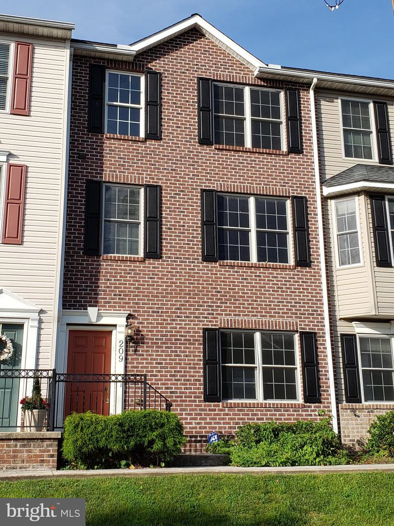 Single Family for Sale at 209 Decatur St Cumberland, Maryland 21502 United States