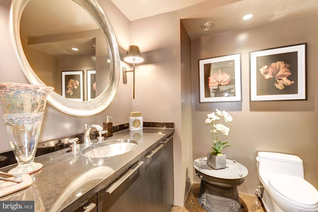 Powder Room - 700 NEW HAMPSHIRE AVE NW #1021, WASHINGTON