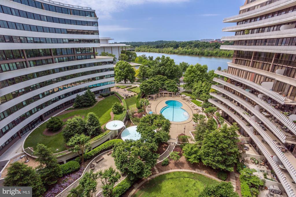 Watergate Courtyard & Pool - 700 NEW HAMPSHIRE AVE NW #1021, WASHINGTON