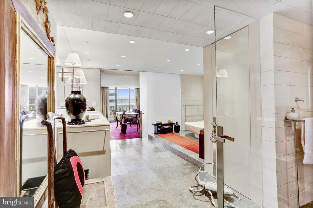 Master Bathroom with Frameless Glass Shower - 700 NEW HAMPSHIRE AVE NW #1021, WASHINGTON