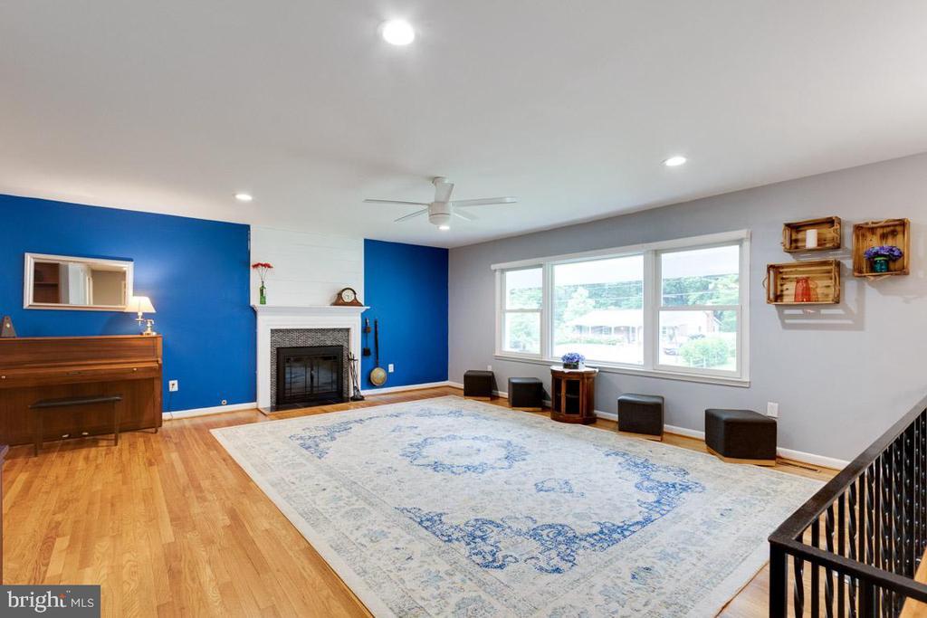 Living room - 4307 ARGONNE DR, FAIRFAX