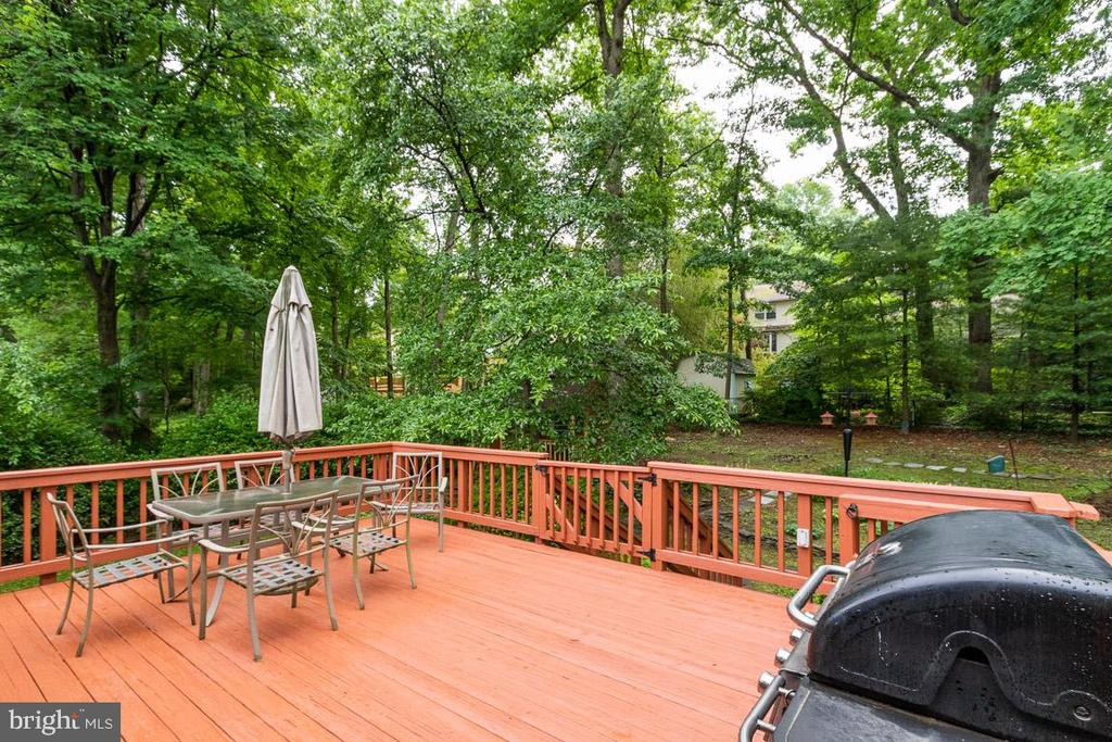 Great outdoor space for entertaining - 4307 ARGONNE DR, FAIRFAX