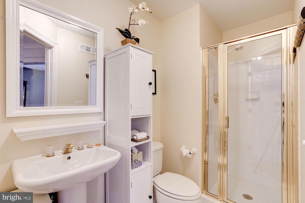 Full Bath -Ground Level - 12086 KINSLEY PL, RESTON