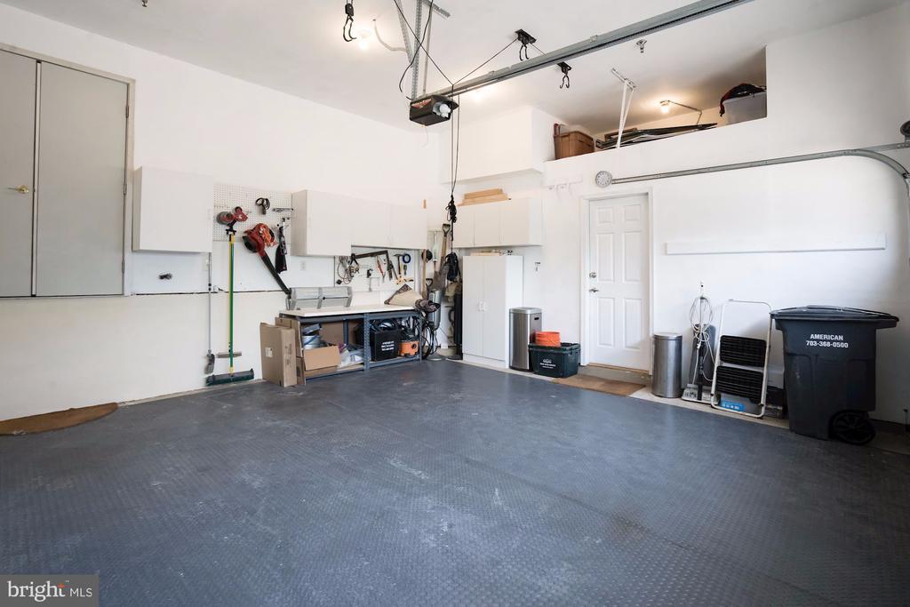Lots of Storage Space  in Garage - 12086 KINSLEY PL, RESTON