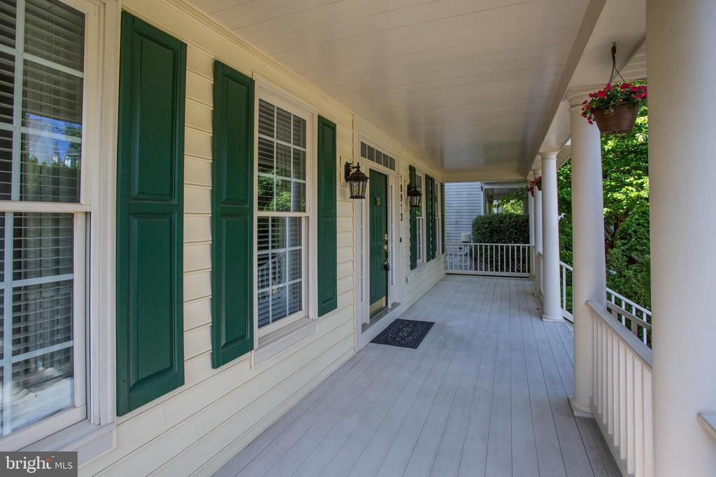 Lovely Porch - Perfect Place for a Morning Coffee - 18912 PORTERFIELD WAY, GERMANTOWN