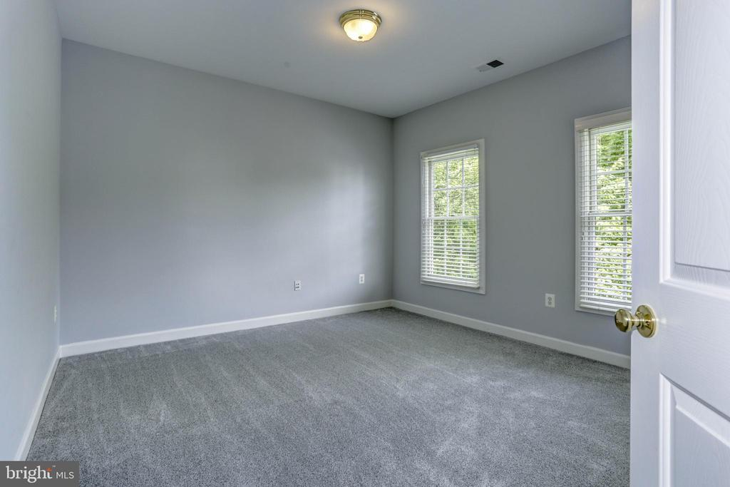 Whole Home Has Been Freshly Painted - 18912 PORTERFIELD WAY, GERMANTOWN