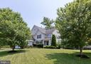 Great curb appeal, on large lot - 42835 CONQUEST CIR, BRAMBLETON