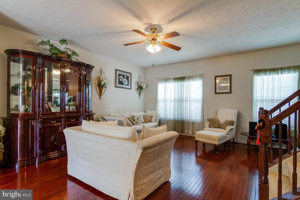 Living Room - 107 STINGRAY CT, STAFFORD